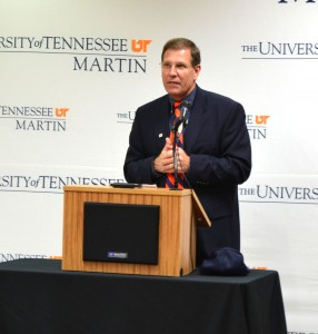 Robinson addresses the assembled audience at First State Bank. (Photo Credit/Matt Bodkins)