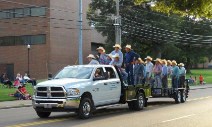 Parade ignites 21st Annual Tennessee Soybean Festival enthusiasm