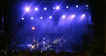 Joan Jett and the Blackhearts rock Soybean Festival